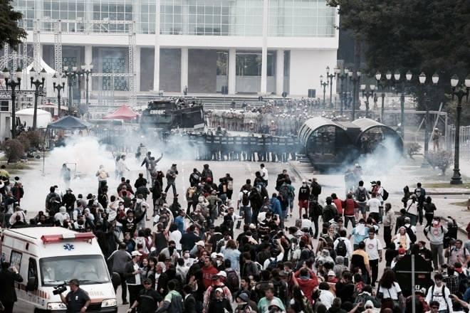 [CAB] Todo apoio à luta dos educadores e educadoras do Paraná!