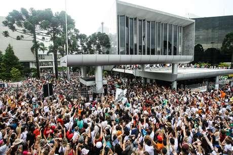 As lições de uma greve histórica: um ano da ocupação da Assembleia Legislativa do Paraná (ALEP).